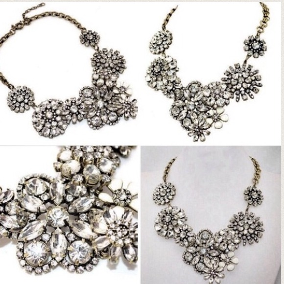 Jewelry - Flower lattice statement necklace.  Gorgeous!!!!!