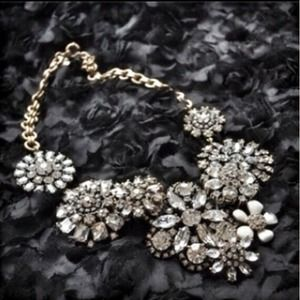 Jewelry - Flower lattice statement necklace.  Gorgeous!!!!! 2