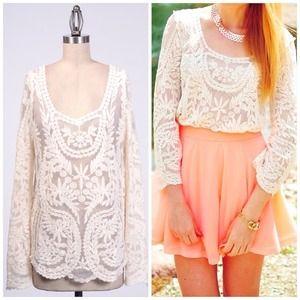 NWT Lace Ivory Crochet Boho Bell Sleeve Top Small