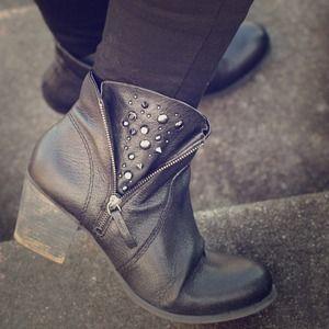 Nine West Shoes - ⬇️ Nine West Booties