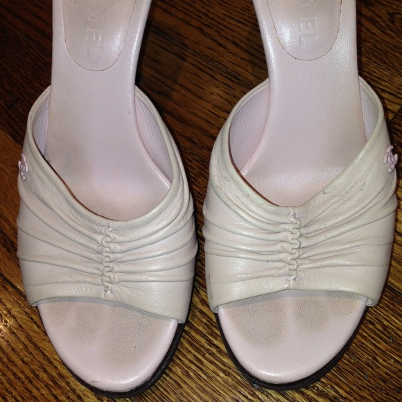 off CHANEL Shoes CHANEL Baby Pink Leather Sandals