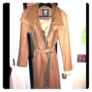 Vince Camuto trench coat M