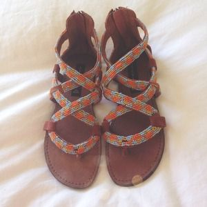 |NEW STEVE MADDEN BEADED SANDALS|