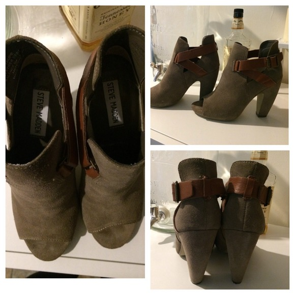 Steve Madden Shoes - Taupe / Grey Steve Madden Booties with buckles