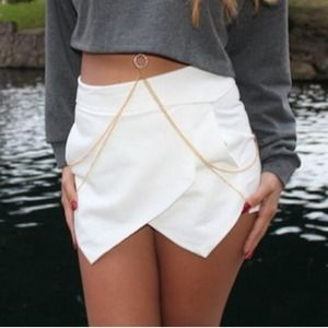 Angle vegan leather shorts