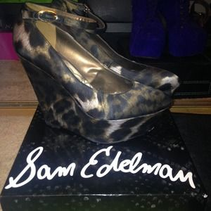 Sam Edelman cheetah wedges