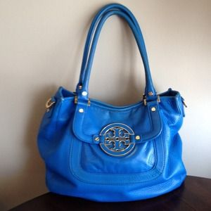Tory Burch Handbags - Authentic Tory Burch Amanda Hobo Satchel