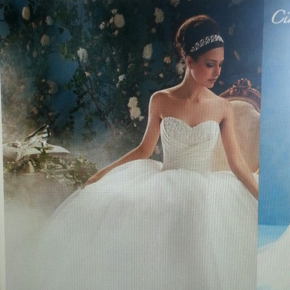 Alfred Angelo Style 205 Cinderella Size 10 Wedding Dress: 15% Off Alfred Angelo Dresses & Skirts