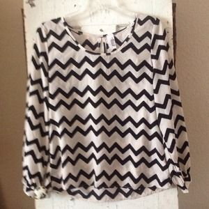 Chevron pattern, black & white top
