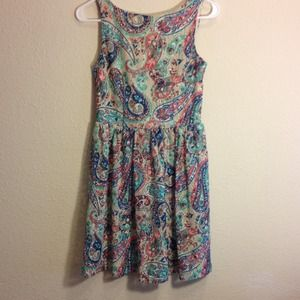 exhilaration Dresses & Skirts - Very sweet  Lacey skater dress