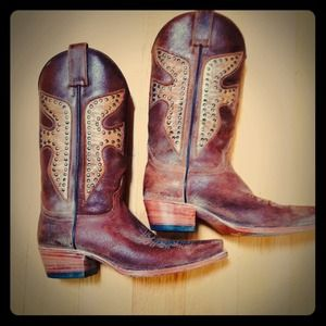 Frye Boots - 🎉P.M EDITOR PICK 🎉 FRYE Tan Leather Cowboy Boots