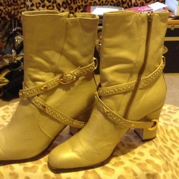 4123e10ad965 Boots - Matt Gold Fantasy Collection Boot