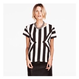 Tops - SALE - LAST ONE Bold B&W Striped Graphic Top