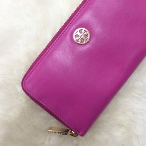 Tory Burch Clutches & Wallets - Hot Pink Tory Burch Continental Zip Wallet