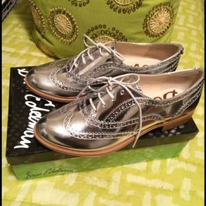 Sam Edelman Shoes - SOLD - NIB Sam Edelman  Silver Oxford sz 8