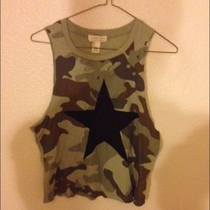 Tops - Camo crop top