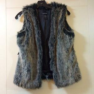 Jackets & Coats - ⚡️50% OFF FLASH SALE⚡️Faux fur vest