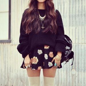 Brandy Melville Skirts - Brandy Melville Daisy Floral Skirt