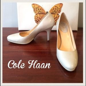 Cream Cole Haan Nike Air Pumps
