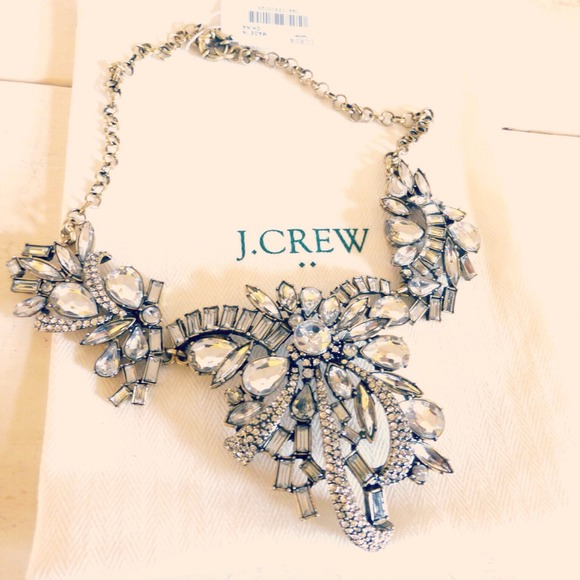 J. Crew Jewelry - ✨🆕 J. Crew statement bow flower crystal necklace