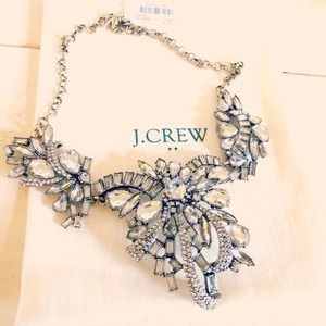 ✨🆕 J. Crew statement bow flower crystal necklace