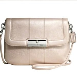 Coach Handbags - Coach Kristin Crossbody bag