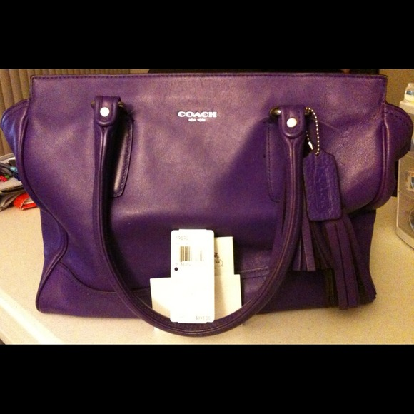 Coach Handbags - Purple Leather Coach Purse! 💜👜💜