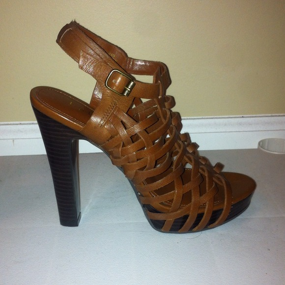 1bb3d01b3eedbd NWOT Ralph Lauren brown leather heeled sandals. M 5317c21a5d5f4e16bb0867cc