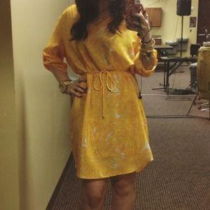🎉4-17 HOST PICK!! 🎉Amanda Uprichard print dress.