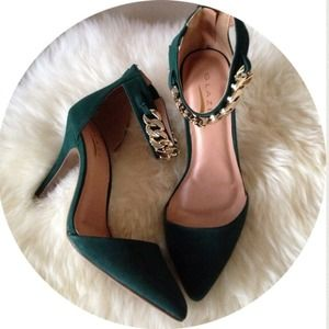 Shoes - Emerald Gold Chain Ankle Strap Pointed Pumps