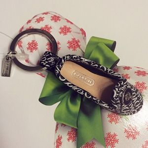 💯Auth Coach Adorable Shoe Key Chain CUTE
