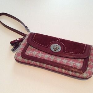 Coach Wristlet Pink Red Houndstooth Tweed Clutch