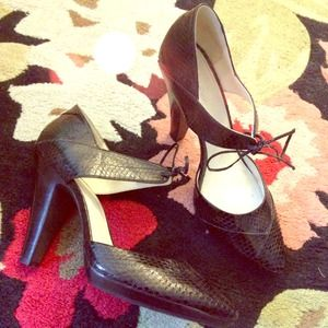 Calvin Klein Shoes - Calvin Klein Laced Pump