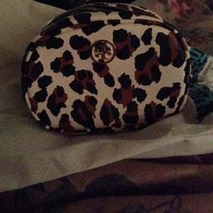Tory Burch Accessories - AUTHENTIC TORY BURCH COSMETIC CASE