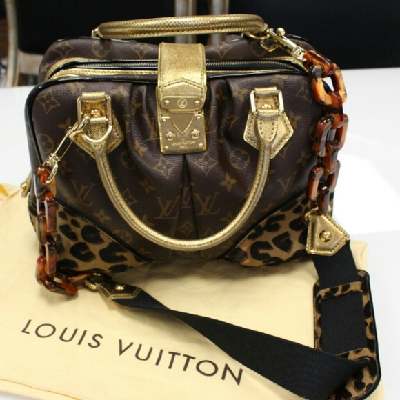 8ace8a1e249c Louis Vuitton Special Edition Adele Leopard MM
