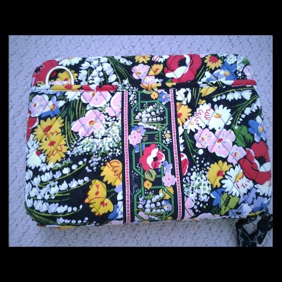 a5ea3e3ab96c Hard shell Vera bradley tablet  laptop case. M 5318c25cde4f2814b00d2590