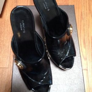 Gucci Black Patent Leather & Wood Pumps Clogs 40