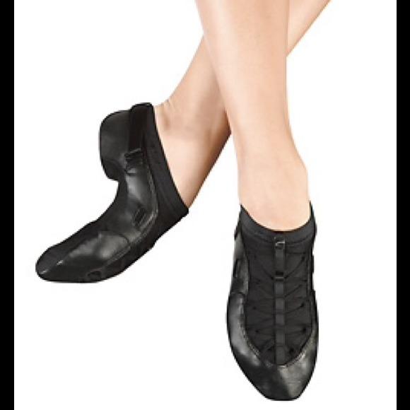 40 shoes capezio quot fizzion quot slip on jazz shoe