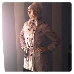 Zara Jackets & Blazers - Zara fab light trench jacket with hood in collar