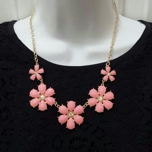 *FINAL SALE!* Pink Floral Statement Necklace
