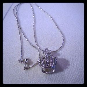Crown necklace nwot 18kgp
