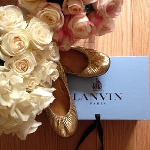 Lanvin Shoes - 🍃💕Lanvin GoldBallet Flats 🎉2HP🎉Salut Printemps