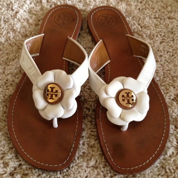 Tory burch shoes white flower sandals poshmark tory burch white flower sandals mightylinksfo