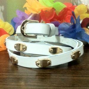 Torrid Accessories - Torrid white and gold belt