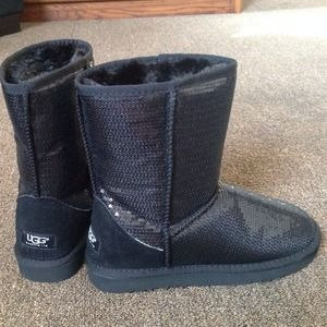 Ugg sparkle/sequin black boots 8/9 (not original)