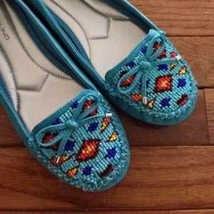 Gorgeous turquoise shoes