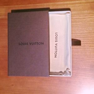 Louis Vuitton Handbags - Authentic Louis Vuitton keychain box & dust cover!