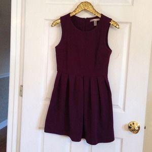 Forever 21 Dresses & Skirts - Forever 21 plum dress. Size small.