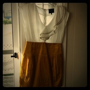 White Mustard gold dress with Zipper accents. NWOT
