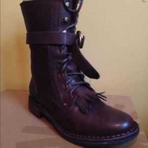 Ugg Jena boot sz 6 java